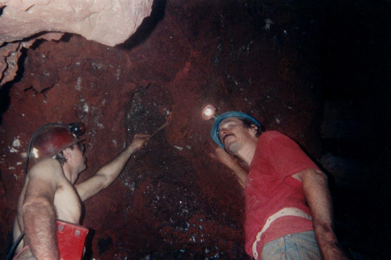 Mark Kielbaso(left) and Stan Esbenshade(right) digging hemimorphite on level 5 of the Ojuela mine. 1998